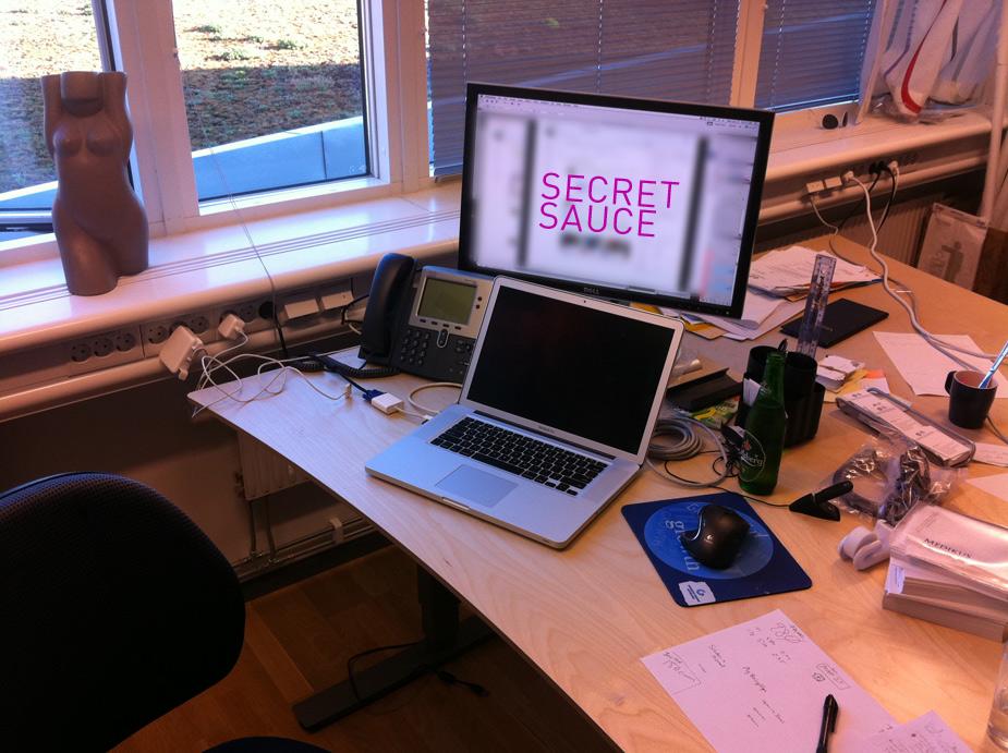 sweden_desk